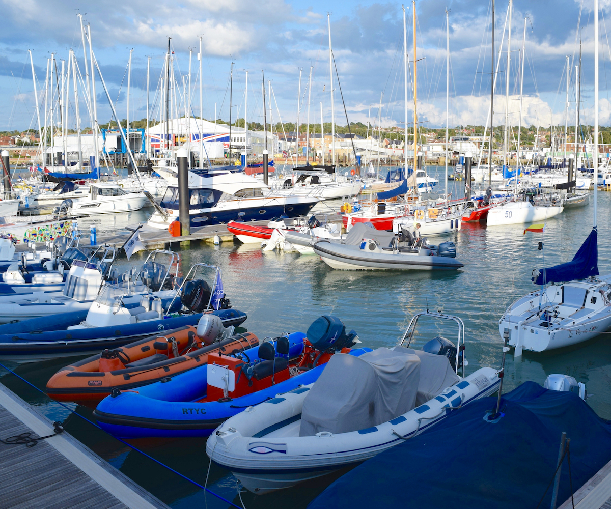 Cowes Harbour Commission
